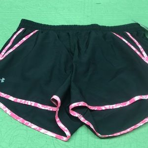 Under armour shorts lined large